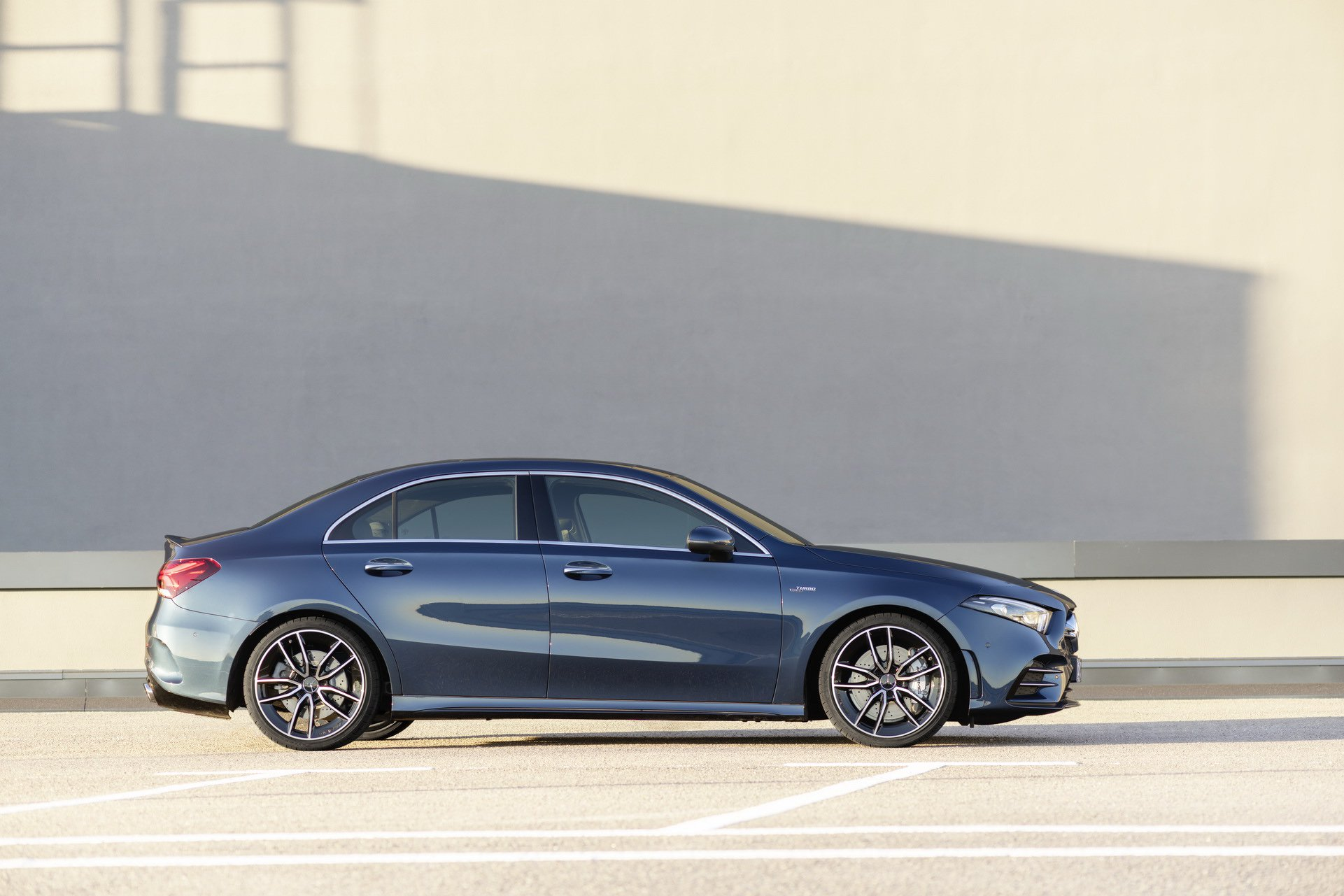 Noul Mercedes-AMG A 35 4MATIC Sedan (12)