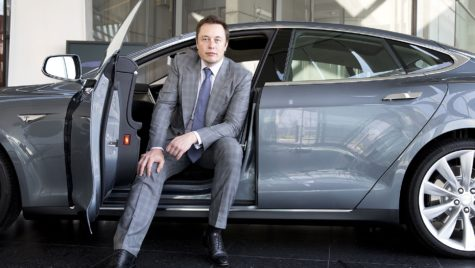 Ea este cântăreața celebră pe care Elon Musk a ajutat-o să-și repare mașina