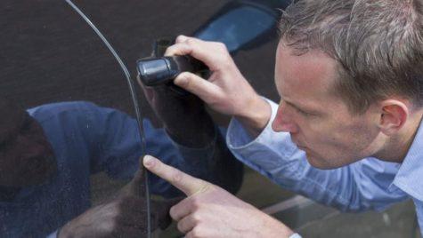 Ți-ai găsit mașina zgâriată în parcare? Ce trebuie să faci?