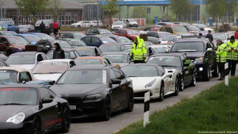 Poliția a confiscat 120 de mașini sport. Ce făceau șoferii?