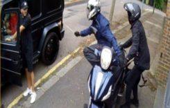 Atacat în Londra. Un fotbalist celebru era să rămână fără mașină!