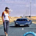 Ea e femeia care conduce mașinile la care nimeni nu are acces