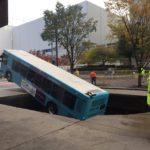 autobuz în groapă (5)