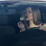7 obiecte de care orice femeie are nevoie în mașină