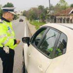 S-a crezut amuzant. Ce i-a zis un șofer vitezoman polițistului care l-a tras pe dreapta?
