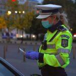 Dialog între o polițistă și un conducător auto